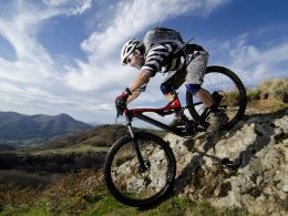 Top 8 Best Mountain Bike Helmets Reviews In 2020