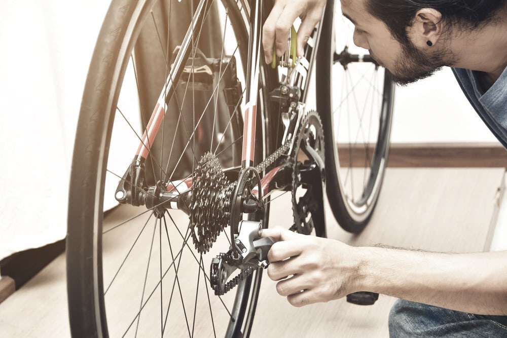 Check every possible reason for slipping the bike chain