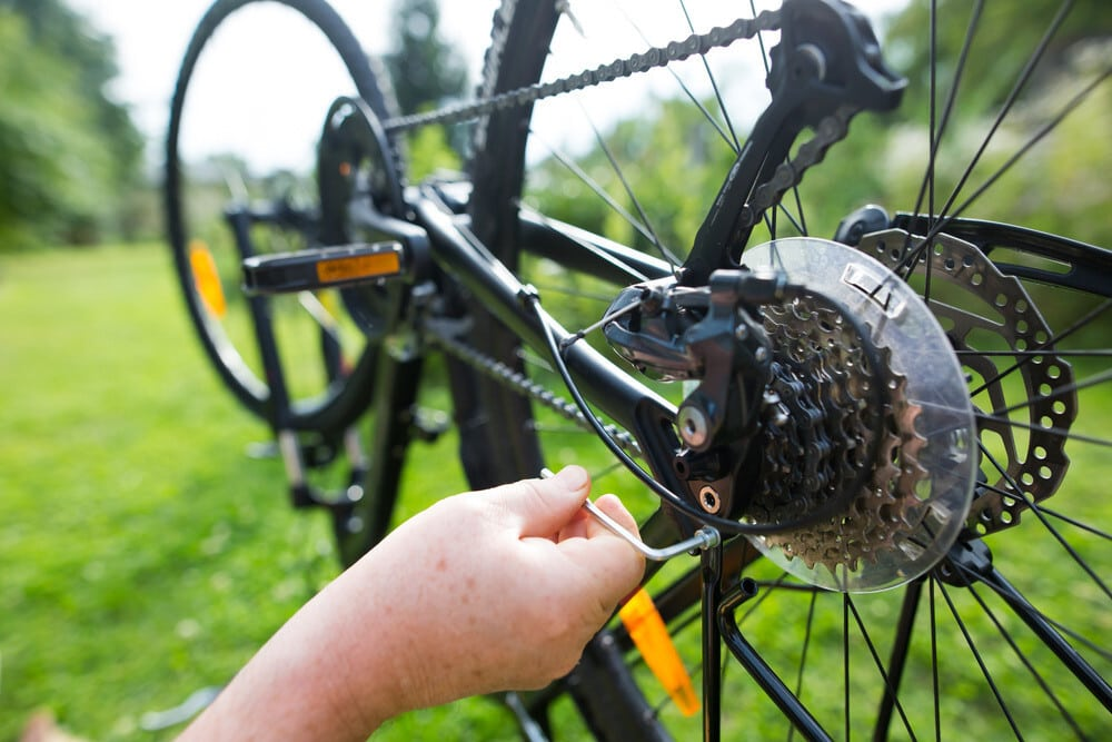 Tips For Putting Chain Back On Derailleur