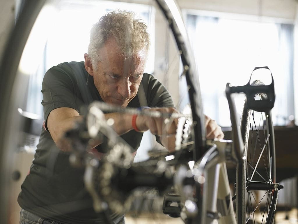 Use the axles to tighten and loosen the bike pedals