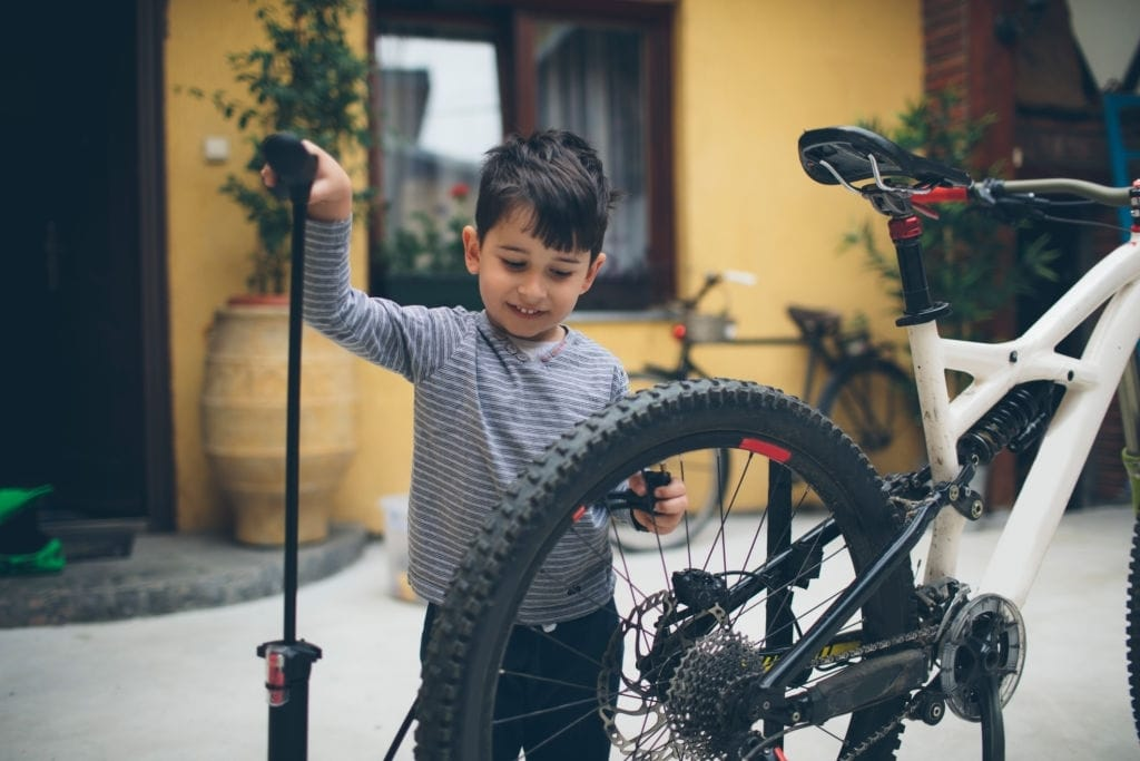 How To Use A Hand Bike Pump